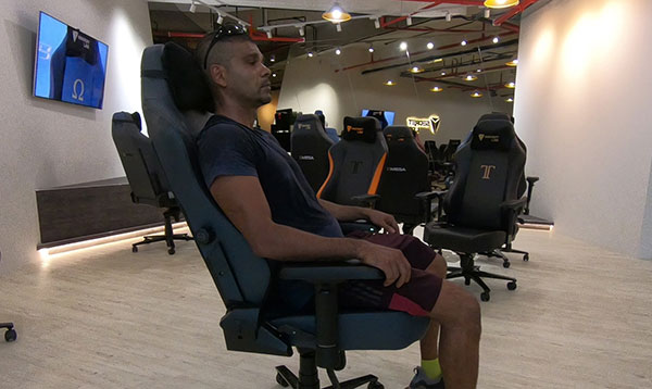 Gaming chair relaxation mode