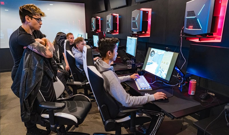Team Liquid at ALienware training facility