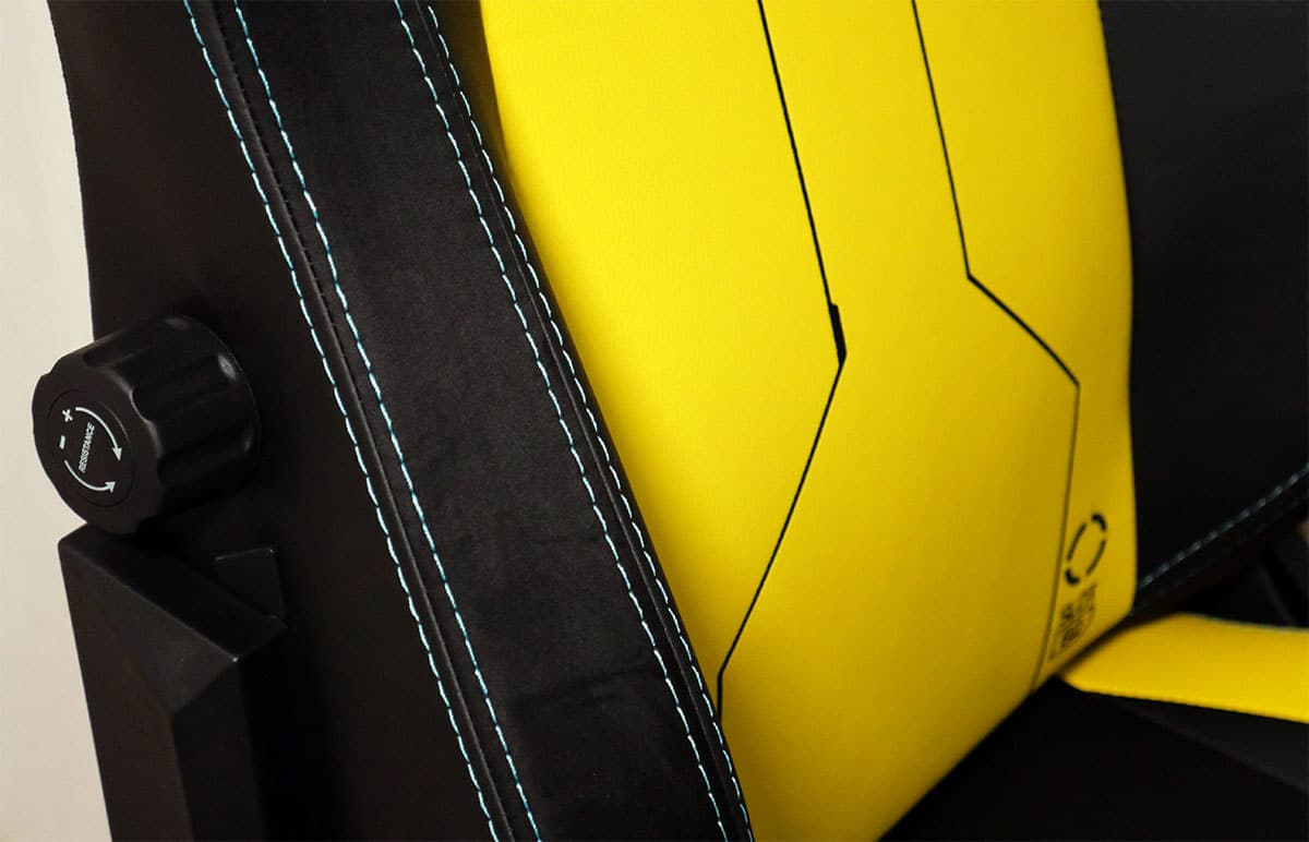 Cyberpunk wing detailing
