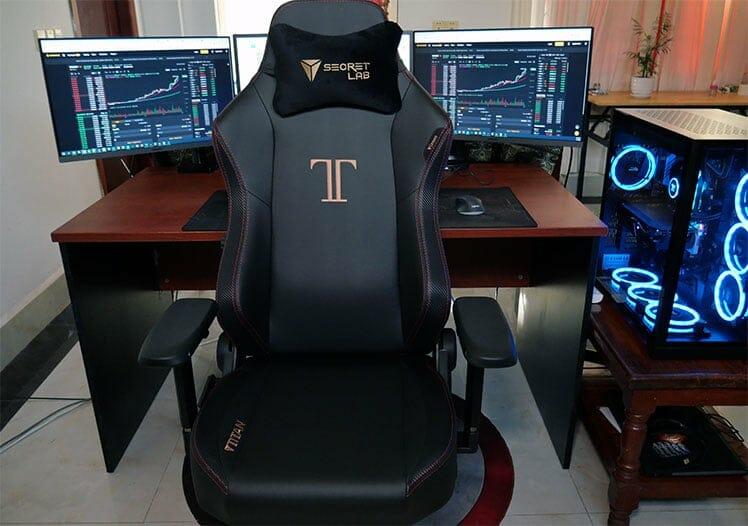 Secretlab Titan Steal executive edition chair