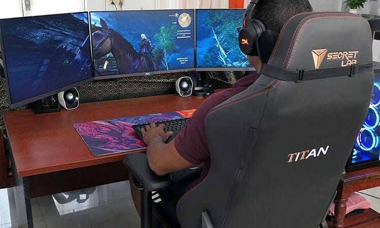 Playing Witcher 3 in a Titan 2020 Series Stealth edition chair