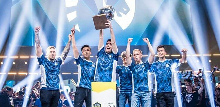 Team Liquid celebrating a victory