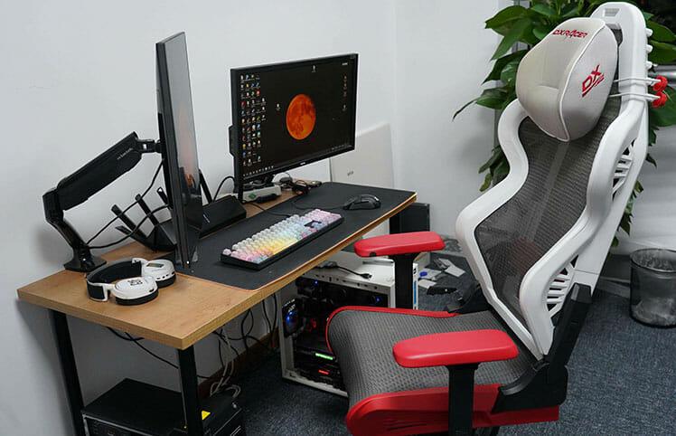 DXRacer Air at a desk