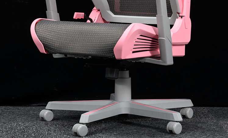 Synthetic plastic gaming chair