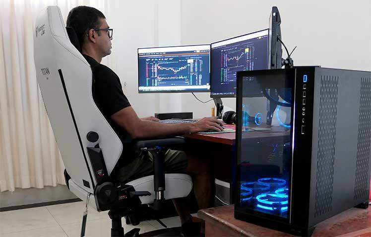 Secretlab Titan work-from-home setup